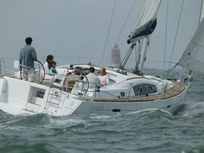 Beneteau Oceanis 40 (code:ULT42) - Kastel Gomilica - Charter boten Kroatië