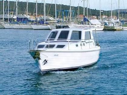 Adria 1002 (CBM Realtime) - Pirovac - Charter plovila Hrvatska