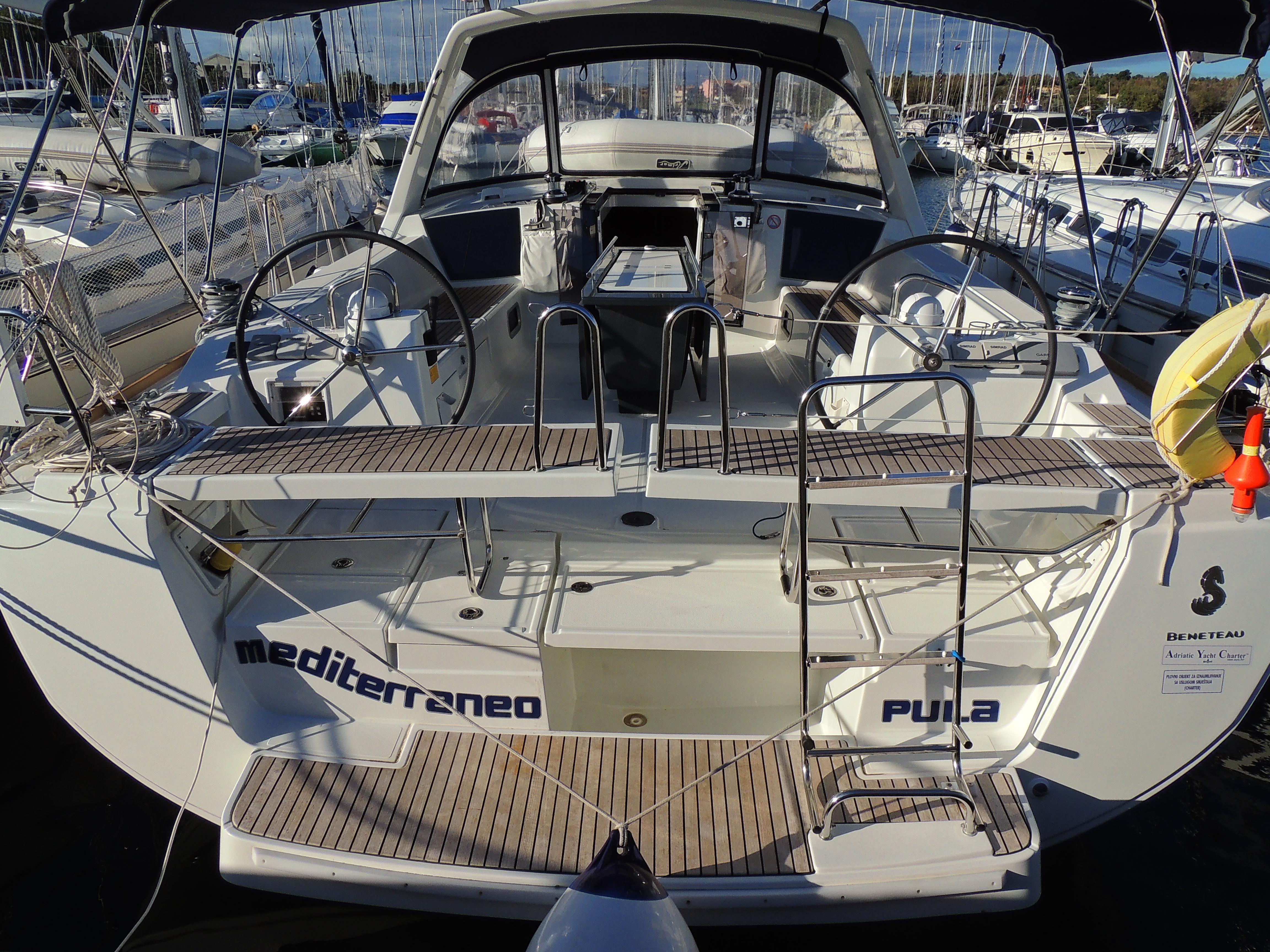 Oceanis 45 (CBM Realtime) - Pula - Charter boten Kroatië