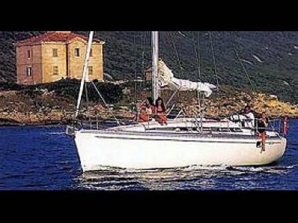 Bavaria 38 (CBM Realtime) - Trogir - Charter plavidla Chorvatsko