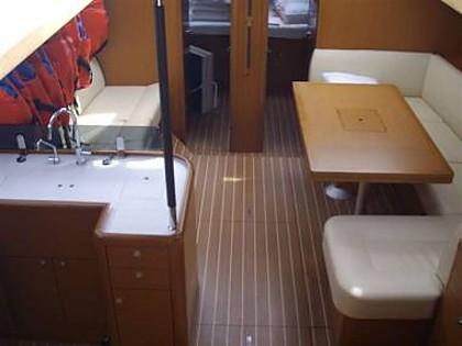 Jeanneau 53 (CBM Realtime) - Kastel Gomilica - Charter ships Croatia