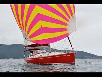 Salona 45 (CBM Realtime) - Kastel Gomilica - Charter plovila Hrvaška