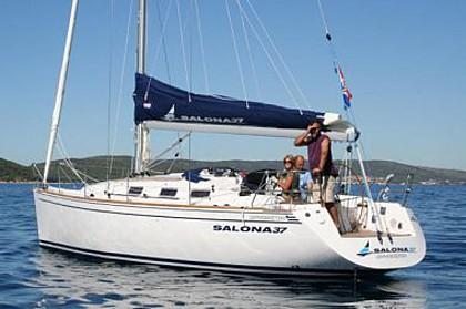 Salona 37 (code:PLA 94) - Kastel Gomilica - Charter plovila Hrvaška