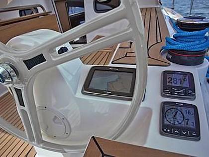 Elan 40 Impression (CBM Realtime) - Trogir - Charter ships Croatia