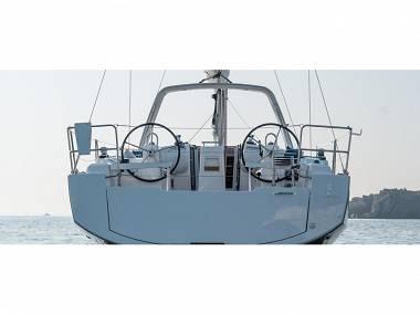Oceanis 38 (CBM Realtime) - Šibenik - Charter plovila Hrvaška
