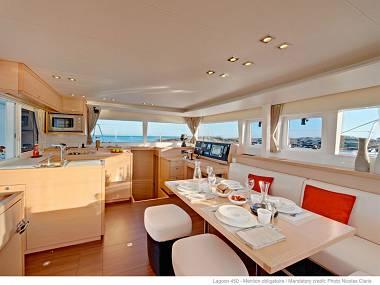 Lagoon 450 (CBM Realtime) - Kastel Gomilica - Charter ships Croatia