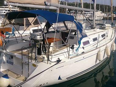 Dufour 325 (CBM Realtime) - Pula - Charter navi Croazia