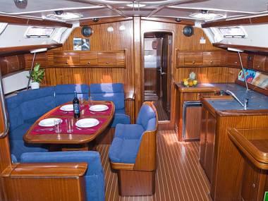 Bavaria 49H (CBM Realtime) - Šibenik - Charter plavidlá Chorvátsko