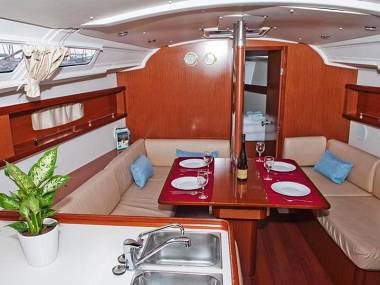Oceanis 37 (CBM Realtime) - Sukošan - Charter plovila Hrvatska