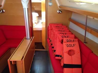 Elan 340 (CBM Realtime) - Kastel Gomilica - Charter hajókHorvátország