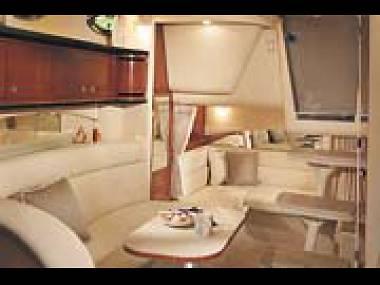 Sea Ray 335 (CBM Realtime) - Tribunj - Charter boten Kroatië