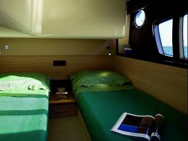 Azimut 47 (CBM Realtime) - Sibenik - Charter hajókHorvátország