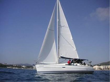Beneteau Oceanis 323 (code:PLA 224) - Kastel Gomilica - Charter navi Croazia