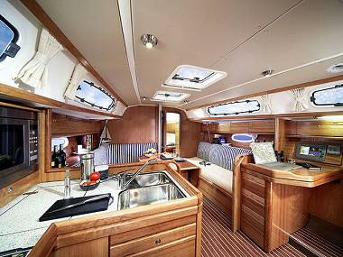 Bavaria Cruiser 34 (CBM Realtime) - Šibenik - Charter plovila Hrvatska