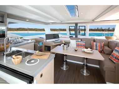 Lucia 40 (CBM Realtime) - Pula - Charter plavidlá Chorvátsko