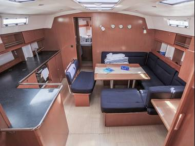 Bavaria 45 Cruiser (CBM Realtime) - Сегет Доньи - Чартер ХорватияХорватия