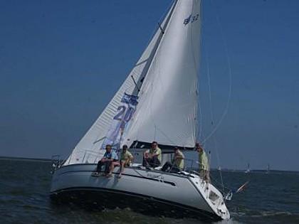 Bavaria 32 (code:PLA 281) - Seget Donji - Charter boten Kroatië