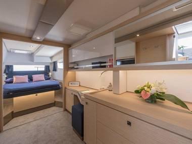 Saona 47 (CBM Realtime) - Kastel Gomilica - Charter boten Kroatië