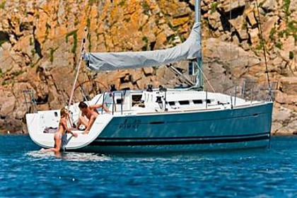 Beneteau First 35 (code:PLA 602) - Kastel Gomilica - Charter plavidlá Chorvátsko