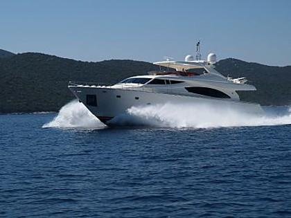 Ferretti 881 (code:PLA 683) - Split - Charter boten Kroatië