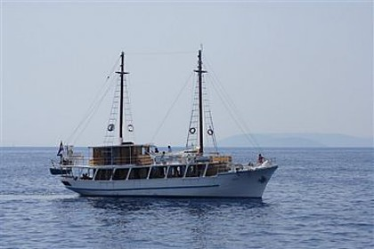 Madona (code:PLA 813) - Split - Czarter statki Chorwacja