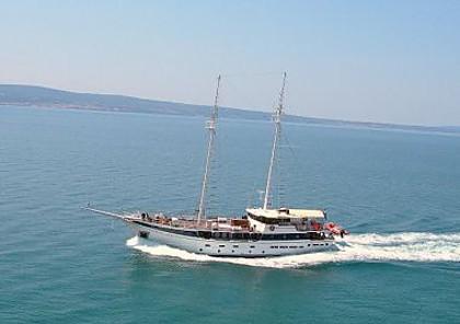 Kapetan Luka (code:PLA 817) - Split - Charter plovila Hrvaška