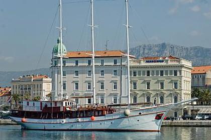 Adria (code:PLA 818) - Split - Charter boten Kroatië