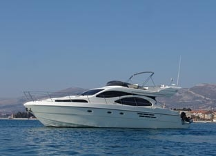 Azimut 46 (code:MGM 9) - Kastel Gomilica - Charter embarcation Croatie