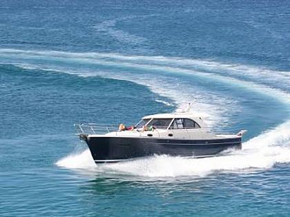Adriana 44 (CBM Realtime) - Sukosan - Charter navi Croazia