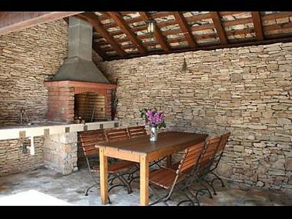 6024 - Mirca - Hiše za počitek, vile Hrvaška - H(6+2): raženj (hiša in okolica)