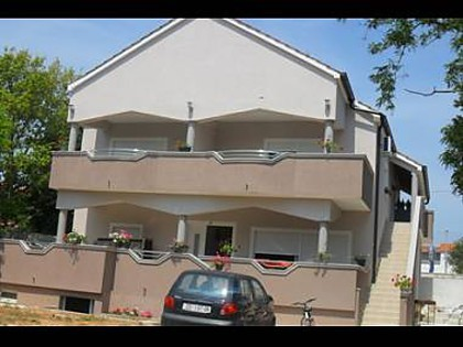 6130  - Turanj - Apartments Croatia