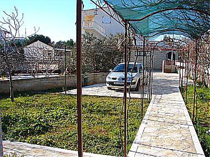 0306ROGO - Rogoznica - Appartements Croatie