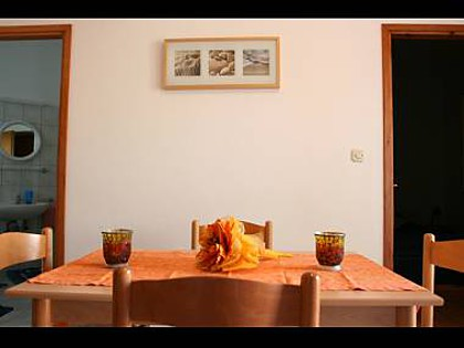 Apartment A2(2+3): dining room