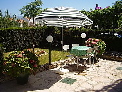 34924  - Mirca - Apartments Croatia - A1(3+1): garden terrace