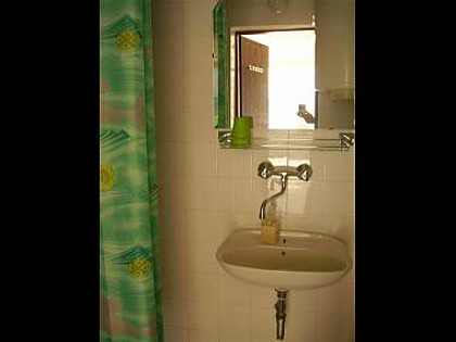 34924  - Mirca - Apartments Croatia - A1(3+1): bathroom with toilet