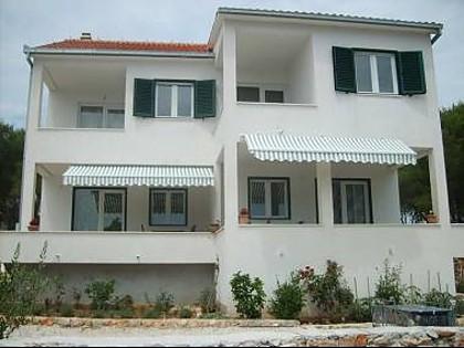 5575  - Baia Osibova (Milna) - Alloggio nelle baie Croazia
