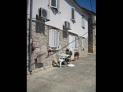 5156  - Milna (Brac) - Apartments Croatia