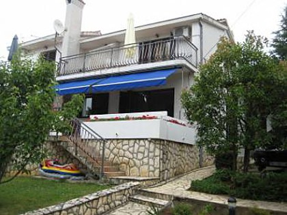 5285  - Njivice - Apartments Croatia