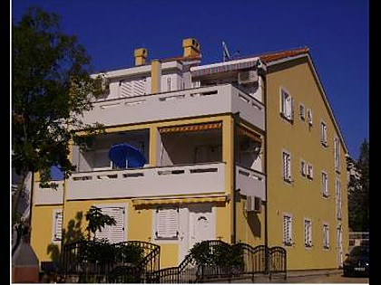 5605  - Malinska - Apartments Croatia