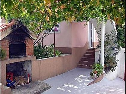 5755  - Seget Vranjica - Ferienwohnungen Kroatien