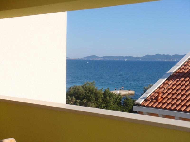 A3 Crno bijeli (4+1): terrace view