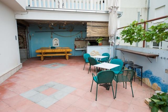 001TROG - Trogir - Appartements Croatie - cour (maison et environs)