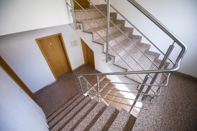 001TROG - Trogir - Appartements Croatie - escalier (maison et environs)