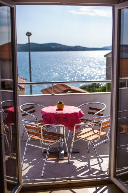 001TROG - Trogir - Appartements Croatie - A3(2+2): terrasse couverte