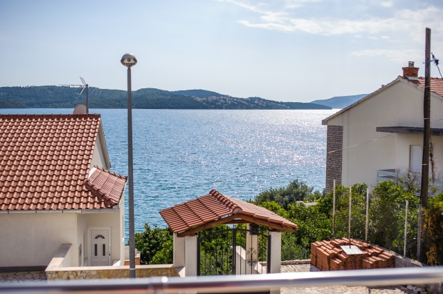 001TROG - Trogir - Appartements Croatie - A3(2+2): vue de la terrasse