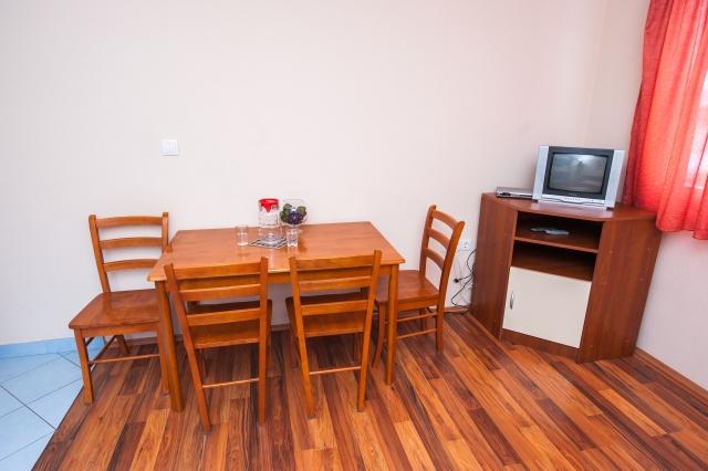 001TROG - Trogir - Appartements Croatie - A4(2+2): salle à manger