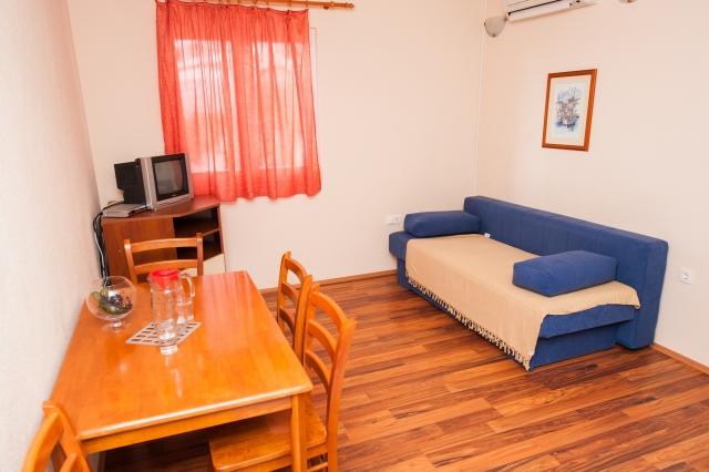 001TROG - Trogir - Appartements Croatie - A4(2+2): intérieur