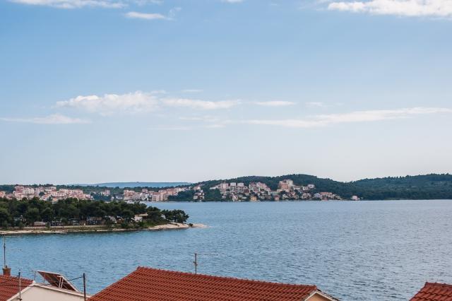 001TROG - Trogir - Appartements Croatie - A4(2+2): vue de la terrasse
