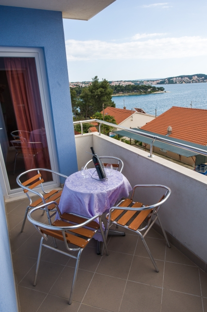 001TROG - Trogir - Appartements Croatie - A5(2+2): terrasse couverte