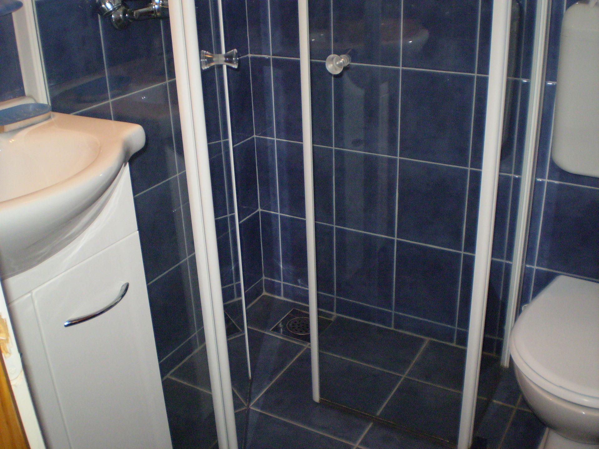 003SUCU  - Sucuraj - Appartementen Kroatië - SA13(3): badkamer met toilet